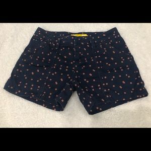 Ladies LOLE Shorts Size 4